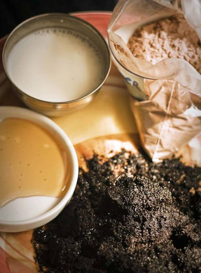 Exfoliate your skin with a mocha mask.