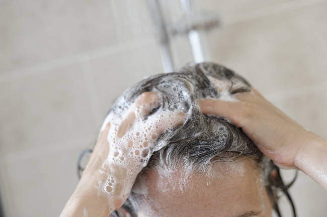 Many shampoos and other cosmetic products contain cancer-causing carcinogens.